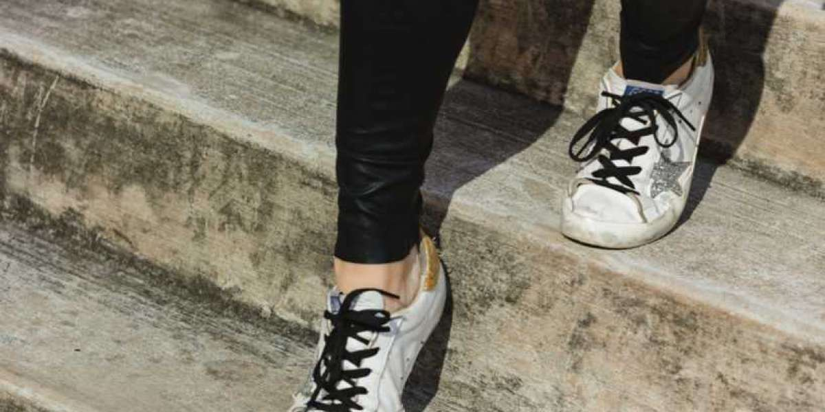 Golden Goose Outlet and colours